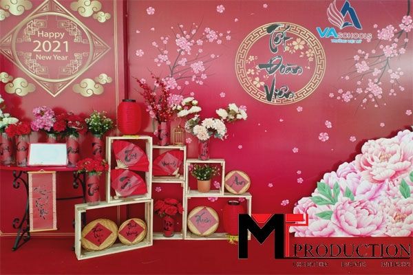 Holiday Season With Professional Decoration At MT-PRODUCTION